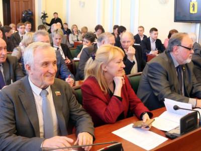 Некоммерческие организации Ярославля обменялись опытом работы над грантовыми проектами Встречу организовал Ресурсный центр поддержки некоммерческих организаций и гражданских инициатив. Участие приняли 40 представителей ярославских НКО.