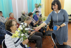 Ресурсный центр СОНКО Угличского района оказал добровольческую поддержку в организации мероприятий по распространению адресных поздравлений